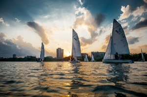 420s sailing at dusk on Lake Calhoun