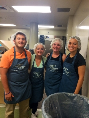 Students serve dinner to the homeless!
