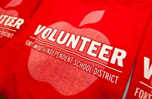 Answer a call to serve...become a FWISD Volunteer.